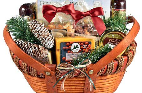 Alege un cos cadou special pentru persoanele dragi de Craciun