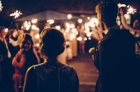 Tot ce trebuie sa stii atunci cand angajezi o formatie de nunta