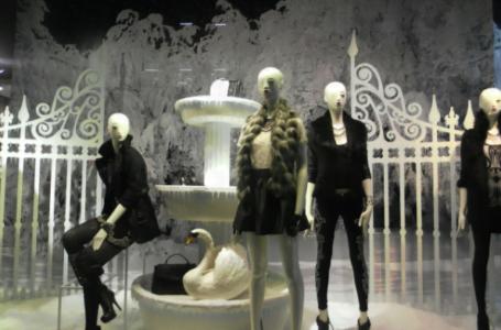 5 fashion designeri celebri în toată lumea