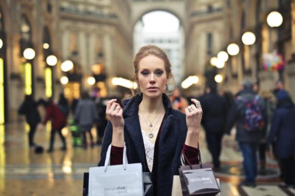 5 accesorii care nu ar trebui să lipsească din cutia ta de bijuterii
