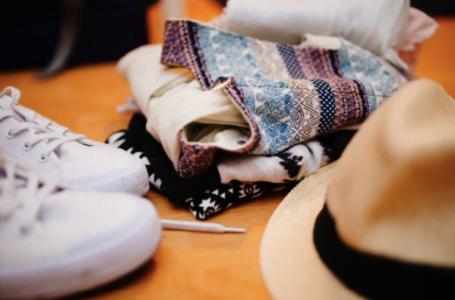 6 trucuri de organizare a hainelor, încălțămintei și accesoriilor