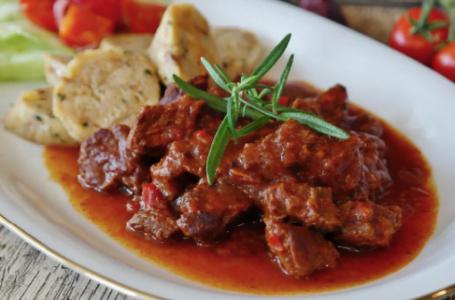 Bucătăria tradițională din Transilvania: 6 preparate pe care merită să le încerci