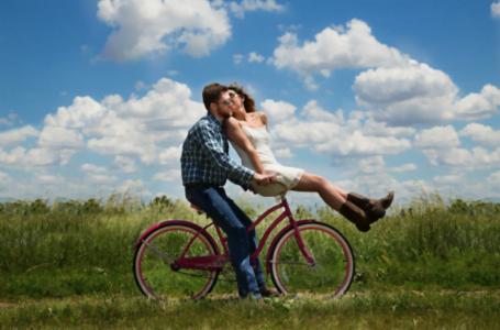 Principalele cauze care duc la sfârşitul mariajului şi cum poate ajuta terapia de cuplu