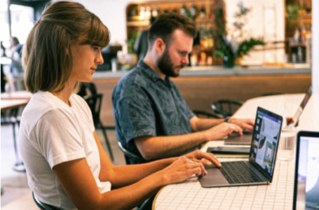 Top 7 pași pentru implementarea procesului de digitalizare în afacerea ta