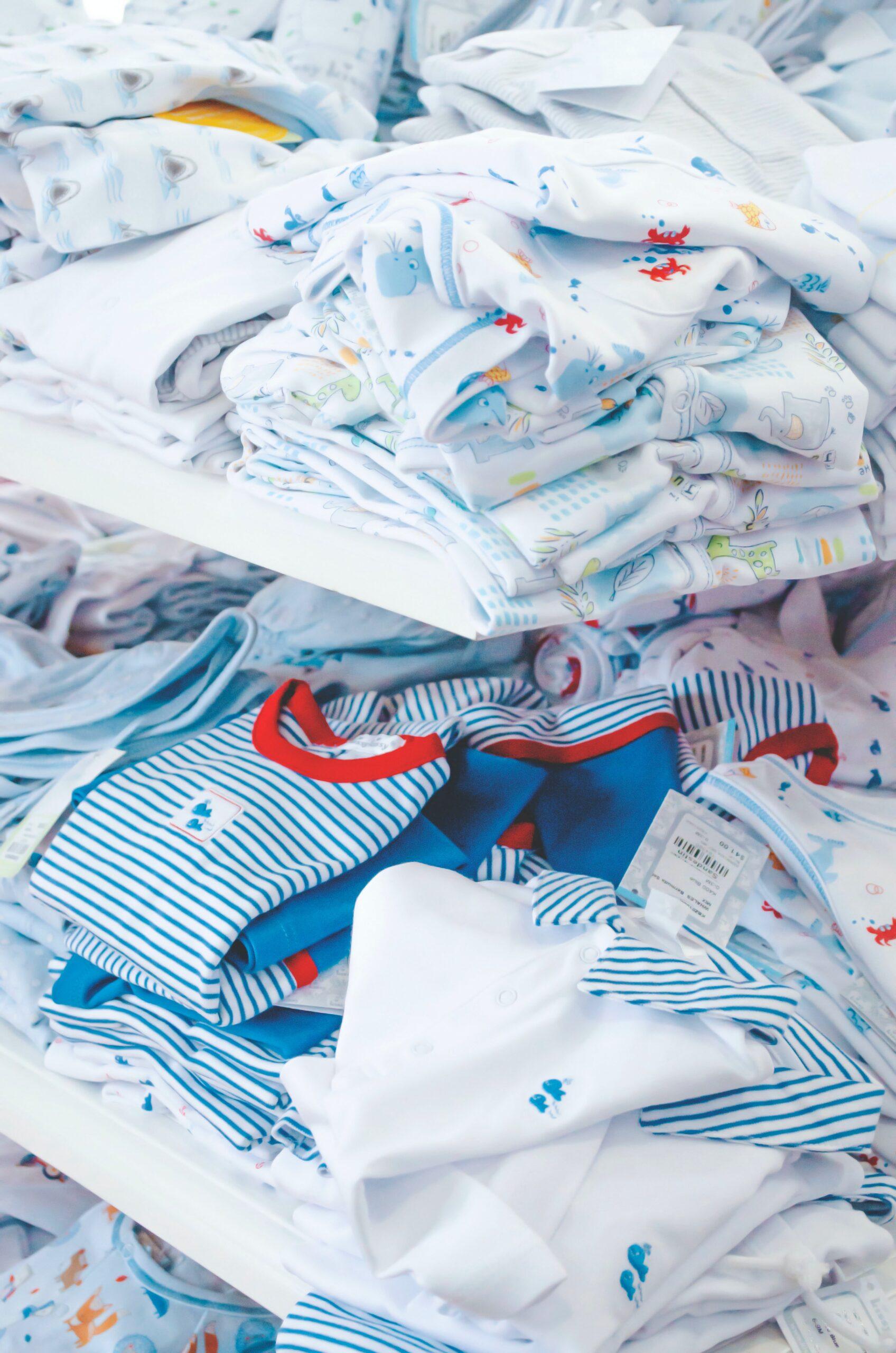 Top branduri de haine pentru bebeluși