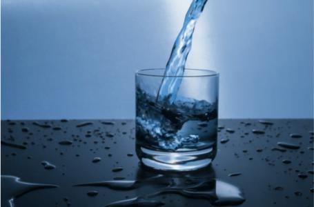 Cum să te hidratezi corect: 4 sfaturi importante